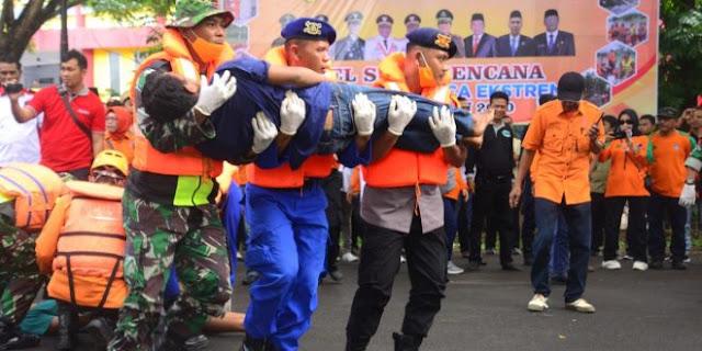 Kodim 1407/Bone Bersama Tim SAR Gabungan Berhasil Selamatkan Korban Bencana Alam