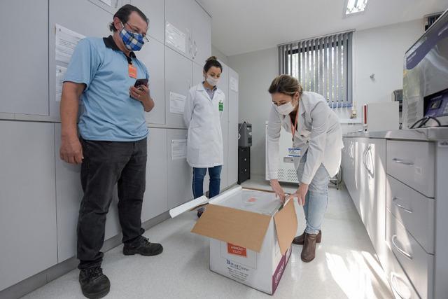 Vacina chinesa de combate a Covid-19 chega no Rio Grande do Sul