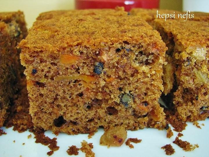 Baharatlı kuru üzümlü havuçlu kek