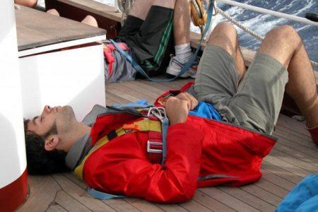 5 Cara Menangani dan Menghilangkan mabuk laut
