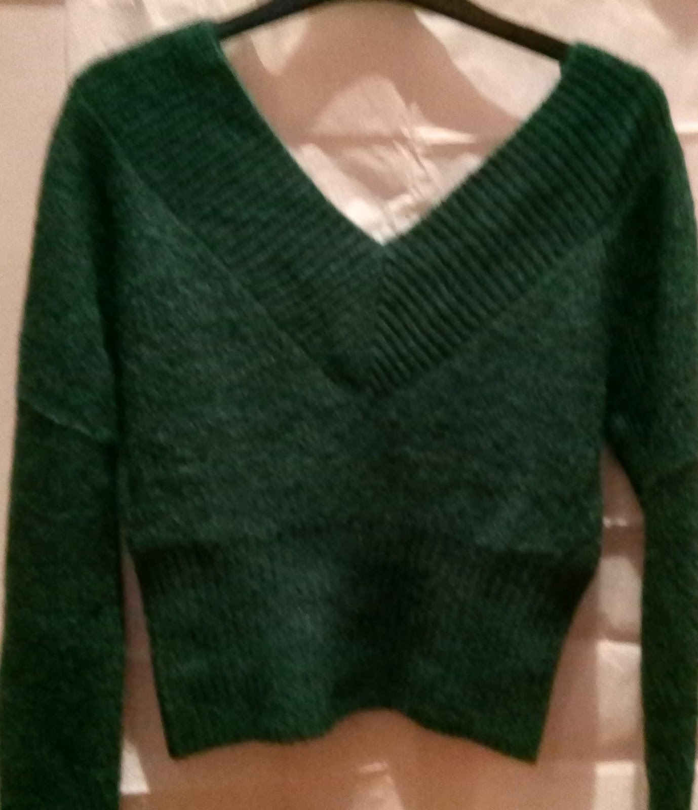 7c9d97c7a9 Green H&M Off-the-shoulder Sweater