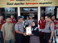 Gagalkan Aksi Pencurian Motor, Seorang Ibu Dapat Penghargaan dari Kapolres Lampung Utara