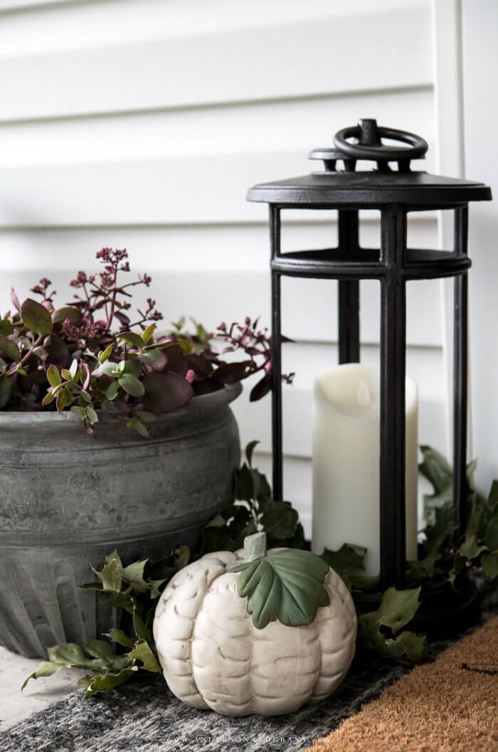 Decorating for fall doesn't have to be hard. Check out these six tips for keeping it simple on your front porch for the season.
