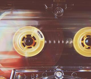 LadyDpiano: Audio Waves