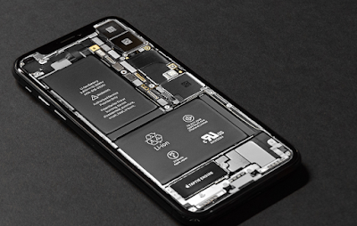 Why Smartphone Companies Removed Removable Batteries ??