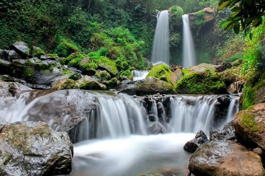 Air Terjun Grenjengan Kembar: Lokasi, Rute, dan Harga Tiket