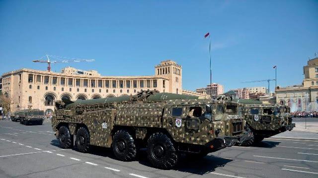 Armenia y Azerbaiyán violan normas de equipamiento militar