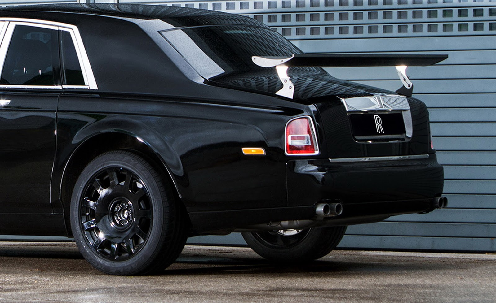 Rolls-Royce Says Cullinan Will Be A 'High-Sided Vehicle ...
