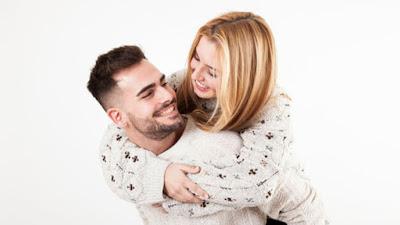 4 Kelebihan Memiliki Pasangan Dengan Karakter Yang Unik