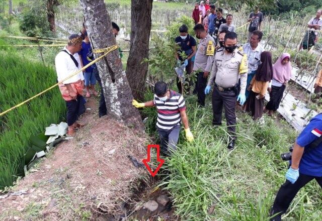 Mayat Tertindih Sepeda Motor di Parit Lombok Timur Gegerkan Warga