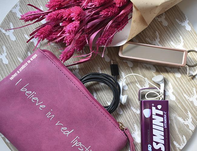 Qué llevo en mi neceser del bolso: gadgets del móvil