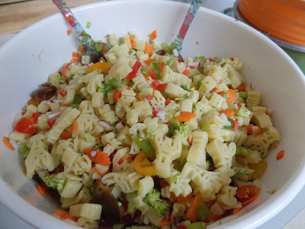 A family reunion conundrum leads to carbs (veggie packed pasta salad)