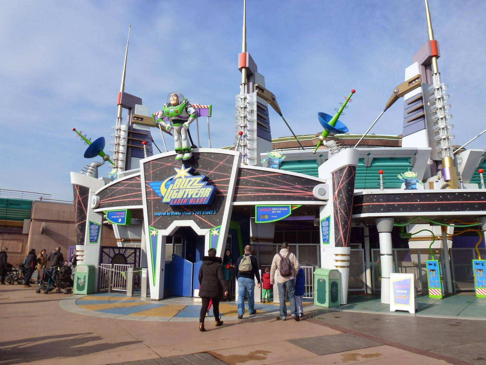 buzz-lightyear-ride-disneyland-paris