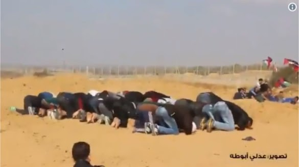 Biadab! Sedang Salat Berjemaah, Warga Gaza Ditembak Israel