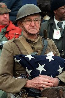 https://commons.wikimedia.org/wiki/File:World_War_I_veteran_Joseph_Ambrose,_86,_at_the_dedication_day_parade_for_the_Vietnam_Veterans_Memorial_in_1982.jpg