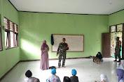 TNI dan Mahasiswa UTS Ajari Anak-anak Mengaji