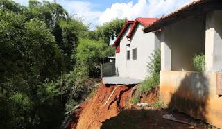 As equipes técnicas da força-tarefa instalada pelo governo do estado, que está no município de Pontalina, no estado de Goiás, onde uma barragem se rompeu no sábado (4), atingindo parte da cidade, farão uma avaliação detalhada nesta segunda-feira (6) para saber o que aconteceu.