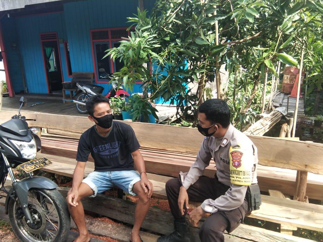 Bhabinkamtibmas Desa Pilang Sambangi Warga Sekaligus Beri Imbauan