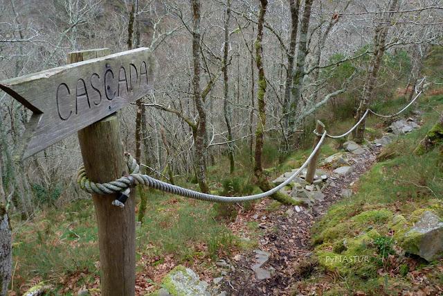 Señalización en el camino - Castropol - Asturias