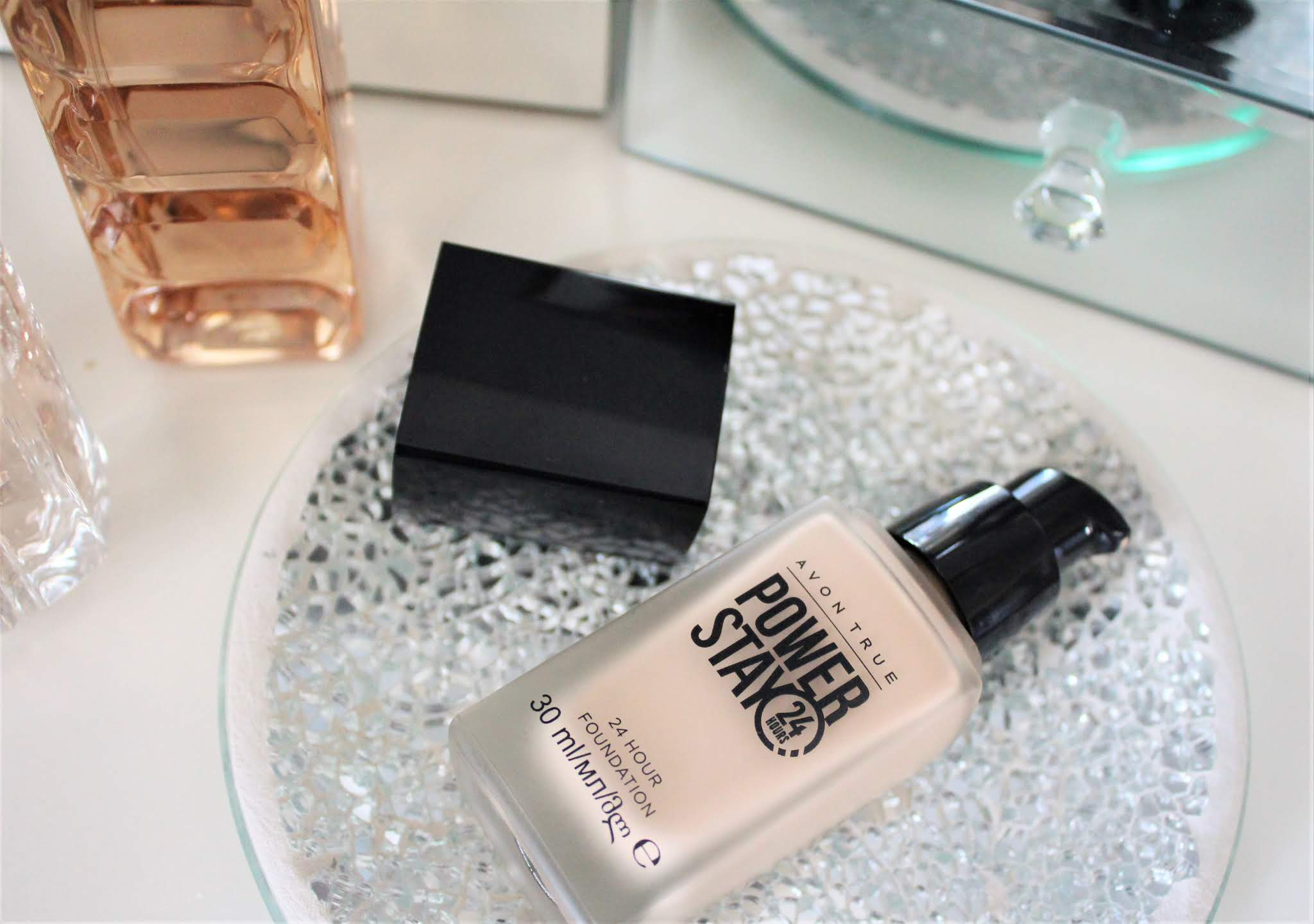 avon power stay foundation review
