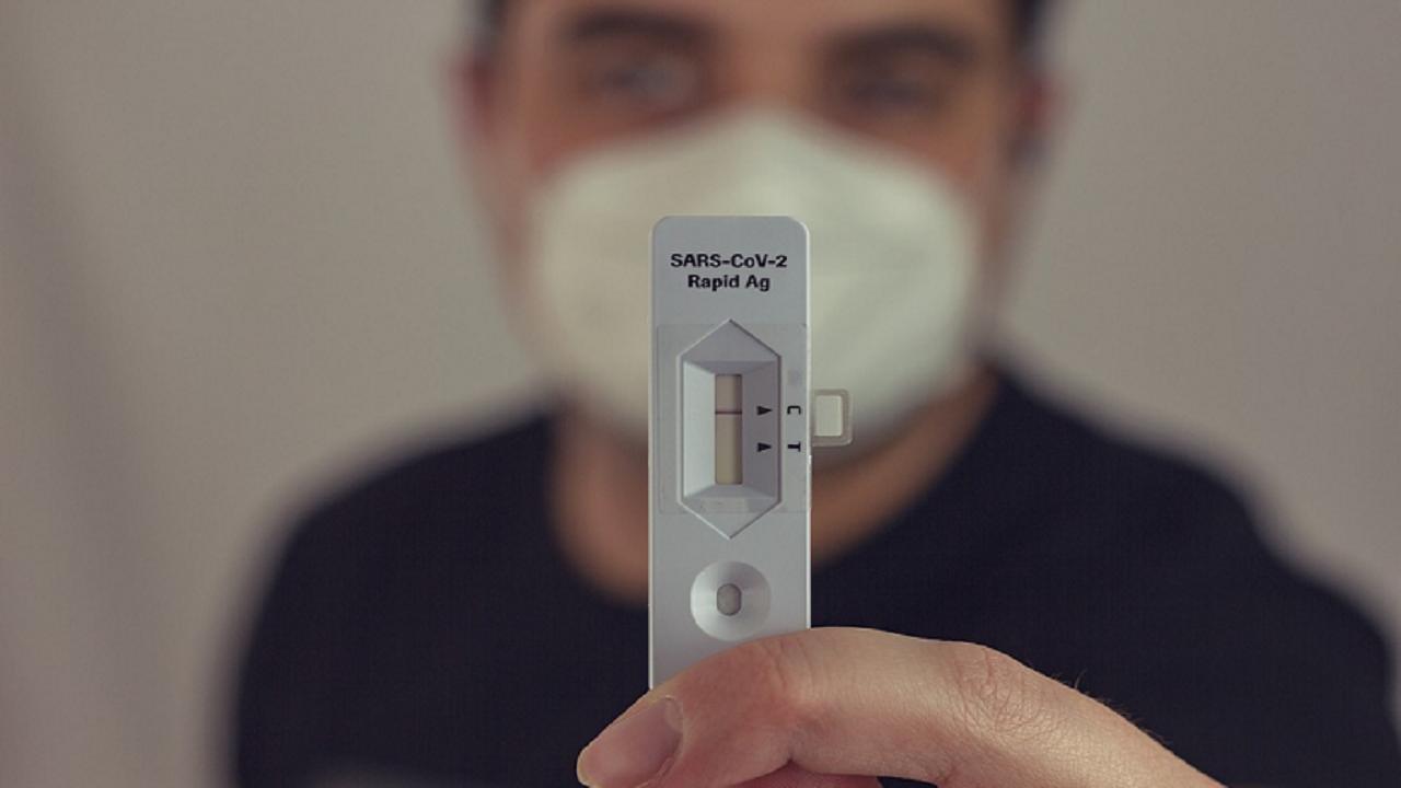 Kalbe Farma Luncurkan Alat Tes Covid-19 Metode Air Liur, Klaim Tes Air Liur Lebih Akurat dari Antigen Karena Dikategorikan Dalam Tes Diagnostik : Tidak Perlu Colok Hidung