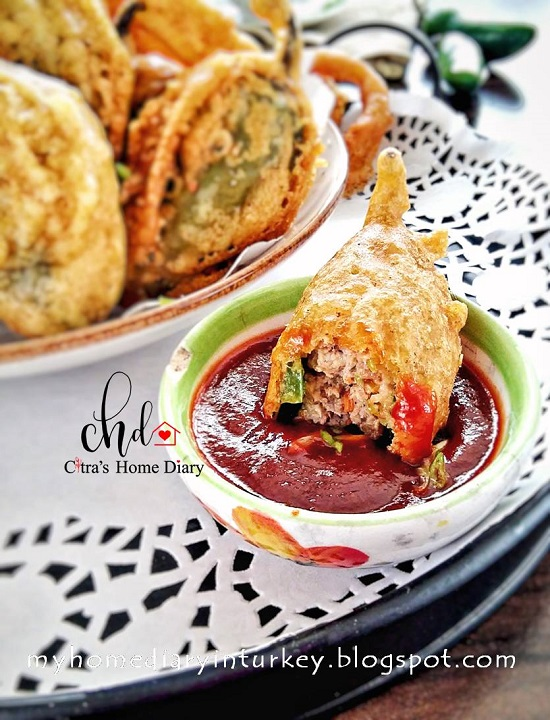 Asian Style Stuffed Pepper Recipe / Cabe Hijau (jalapeno pepper) isi daging dan udang | Çitra's Home Diary. #stuffedjalapeno #asianfoodphotography #asianfoodrecipe #stuffedpepper #pepperdumpling #cabehijauisi #resepsedap #asyabiberdolması #shrimpdumpling