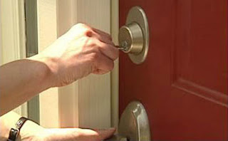Locksmith Spokane door locked