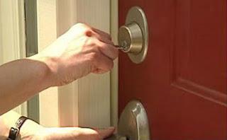 Locksmith Spokane door locked