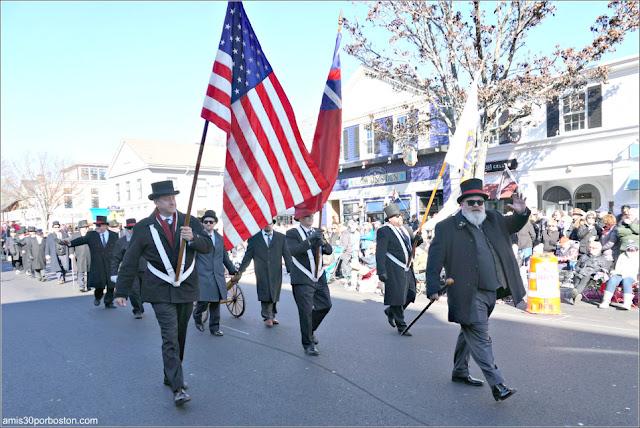 Old Colony Club en el Desfile de Acción de Gracias de Plymouth