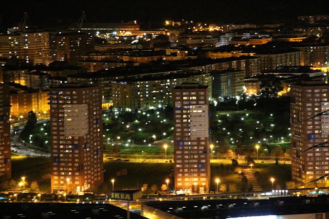 Torres y barrio de San Vicente, desde Argalario