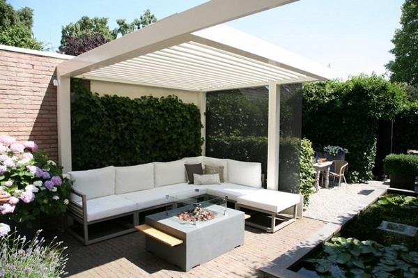 Pergole aluminiowe zadaszenie w ogrodzie