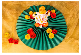 Ganesha Decoration with fan fold and roses