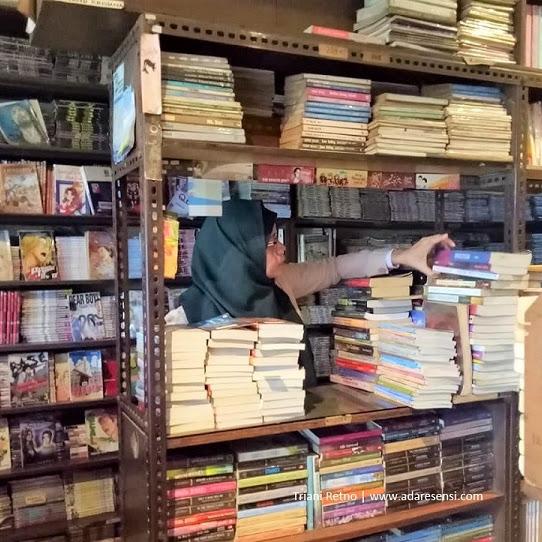 TB Hendra, Taman Baca Legendaris di Bandung
