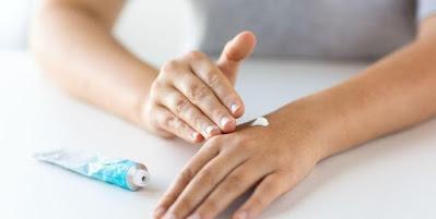 5 Rekomendasi Obat Oles Untuk Kulit Gatal Di SehatQ.com