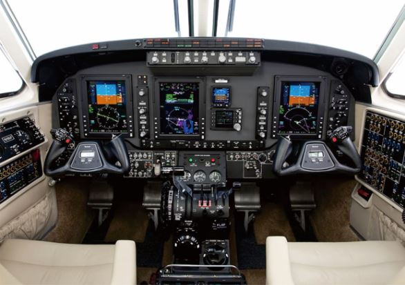 Beechcraft King Air C90GTx cockpit