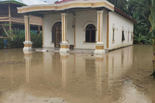 Sungai Meluap, Rumah Warga di Dua Boccoe Terendam Air