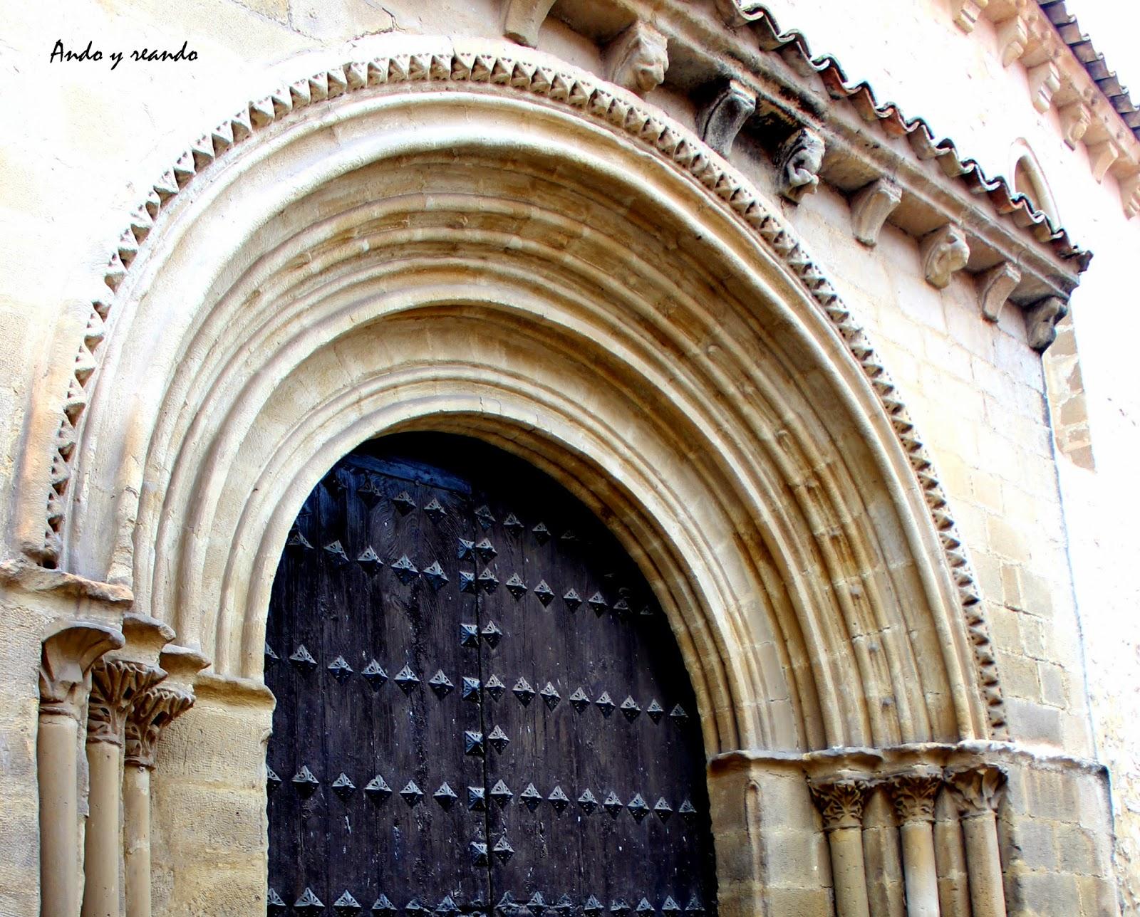 Portada de la iglesia de la Santa Cruz en Baeza
