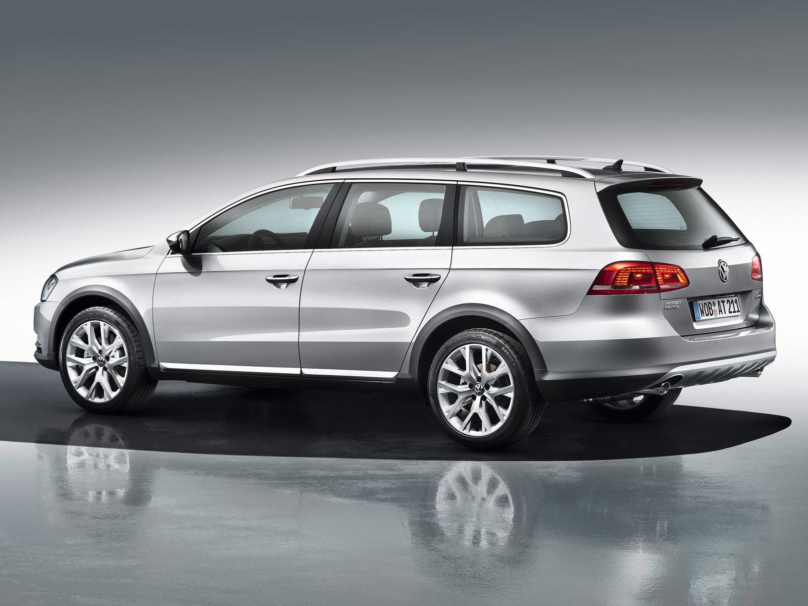 2013 Volkswagen Passat Alltrack Car Desktop Wallpaper