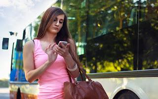 الفتيات أكثرمن الأولاد إدمانا على الهواتف الذكية ؟