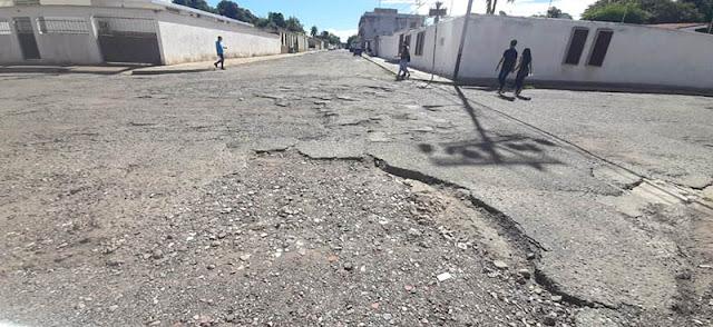 CALLES DESTRUIDAS: LA HERENCIA QUE DEJARÁ EDGAR CARRASCO A LOS CAROREÑOS (+FOTOS)