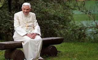 Du blog de Jeanne Smits...  Pope_Benedict_xvi_810_500_75_s_c1