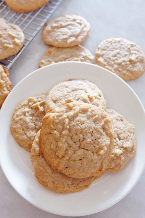baked cookies on a plate