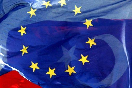 Eurodiputados rechazan decreto antimusulmanes de Trump