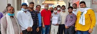 #JaunpurLive : पत्रकार की हत्या से मीडिया जगत में भारी आक्रोश, प्रर्दशन करके डीएम को सौपा ज्ञापन