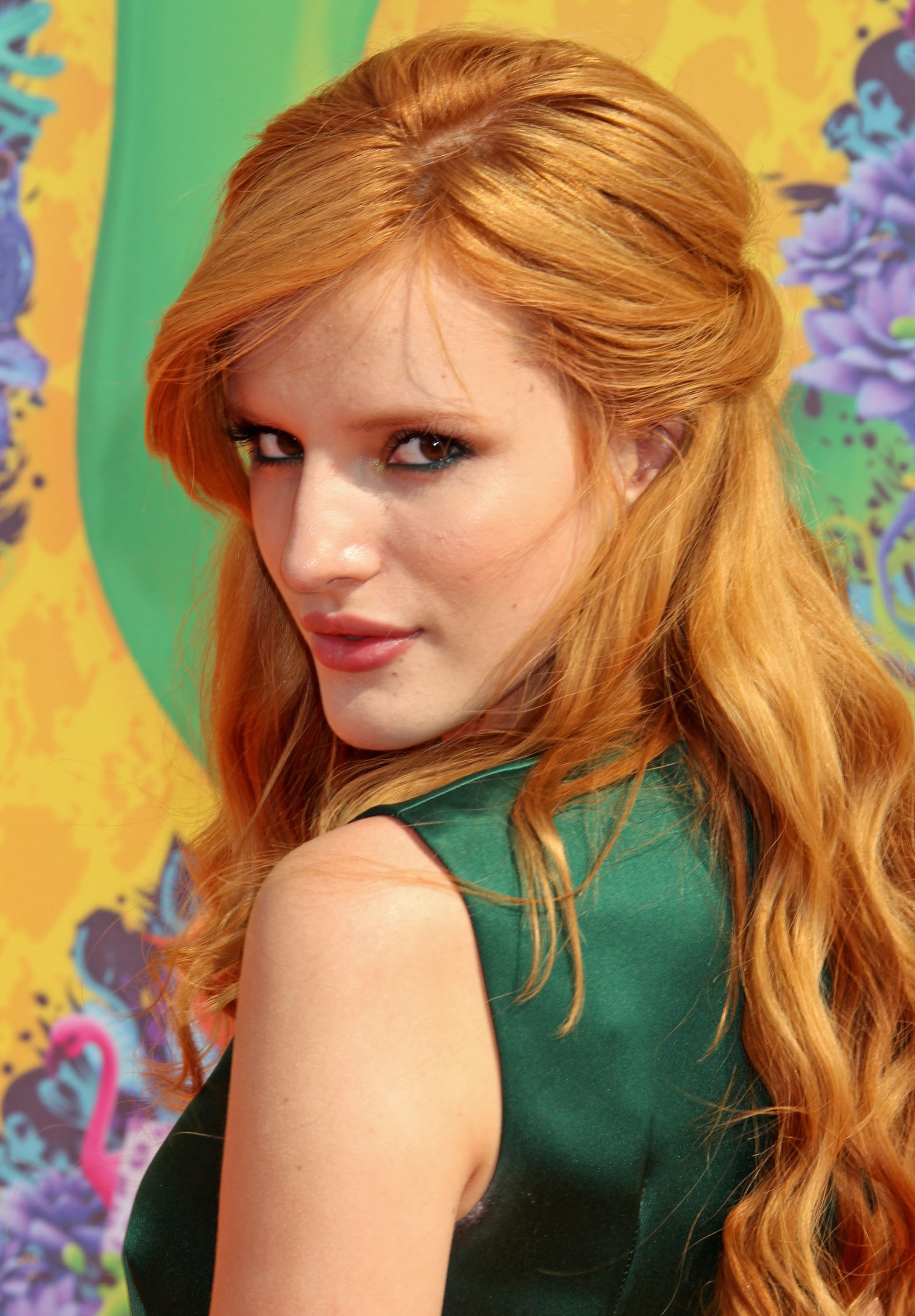 bella thorne photo gallery