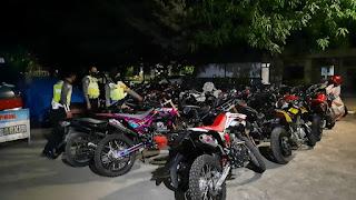Kasat Lantas Polres Pinrang Pimpin Operasi Penerbitan Balap Liar, 21 Kendaraan di Amankan