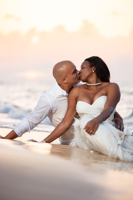 Guadeloupe trash the dress best photographer