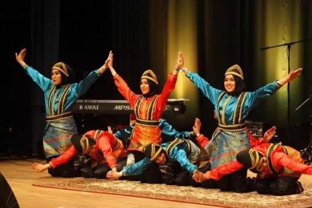 Tari Saman: Sejarah, Ciri, Fungsi, Kostum, Gerakan dan Lagu