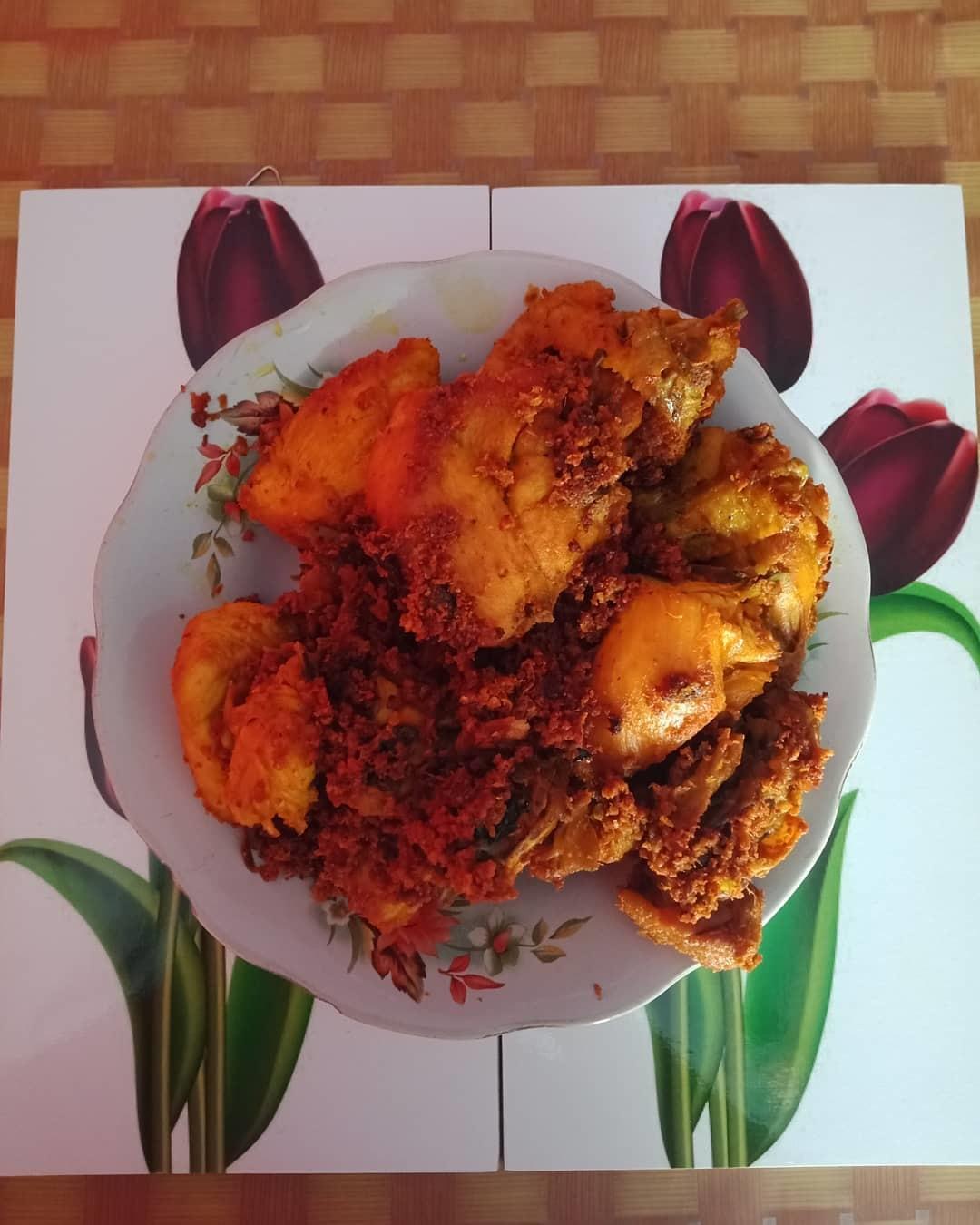 Wisata Kuliner Ayam Goreng Pakne Heksa Semarang
