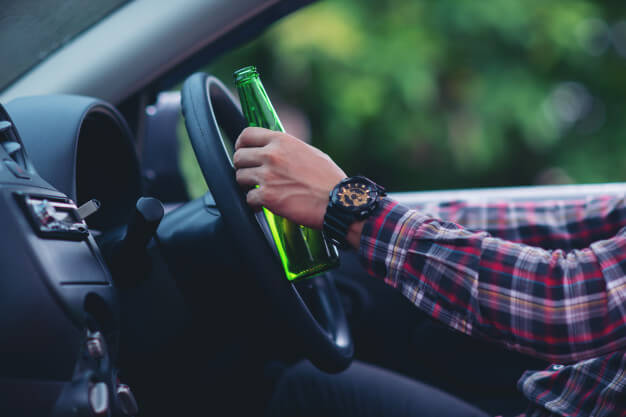 How to Recognize a Drunk Driver